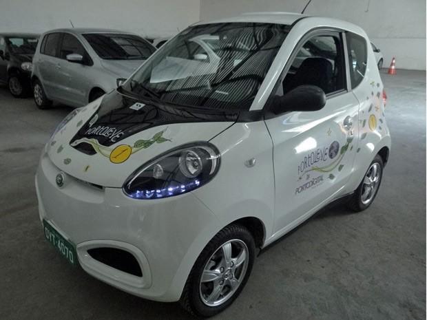 Carros elétricos começam a ser compartilhados em Recife