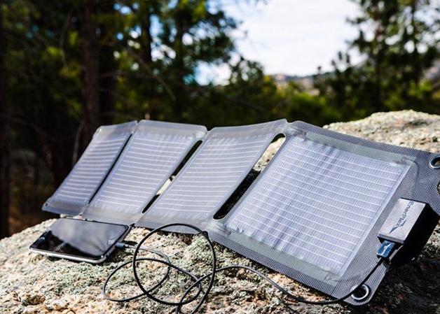 Startup americana cria carregador solar portátil para smartphone