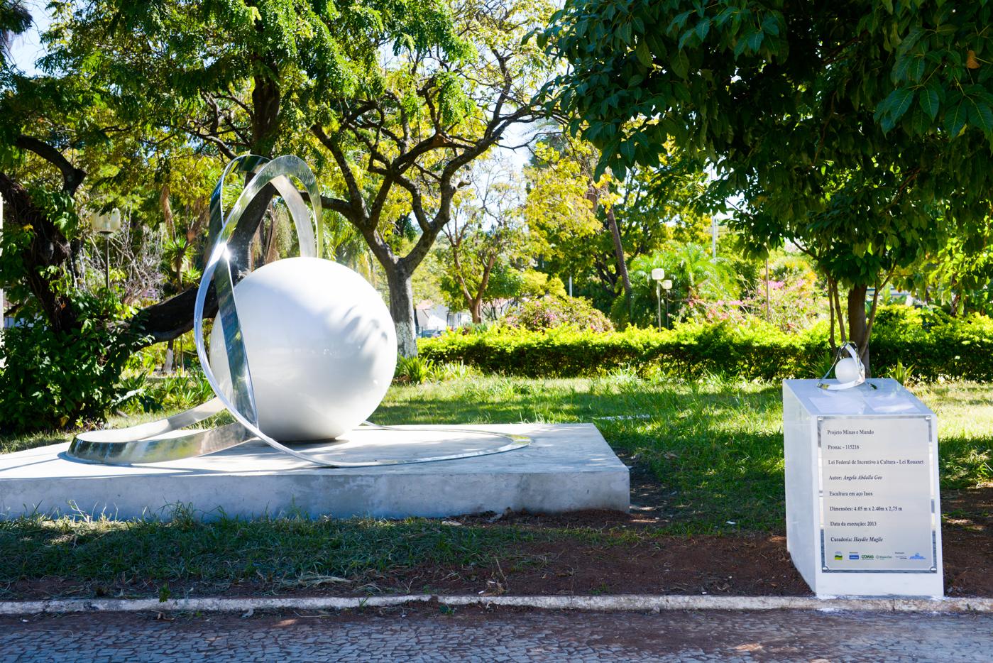 CÓDIGO:ftv1160705/FOTOGRAFO: Nelio Rodrigues/ftv EDITORIA:Artes Plasticas/Tema:Escultura/DESCRIÇÃO: Angela Geo/SERVIÇO: foto/LOCAL:Brasil/Minas Gerais/Belo Horizonte/aeroporto da pampulha/DATA:05-07-2016/HORA:10:00