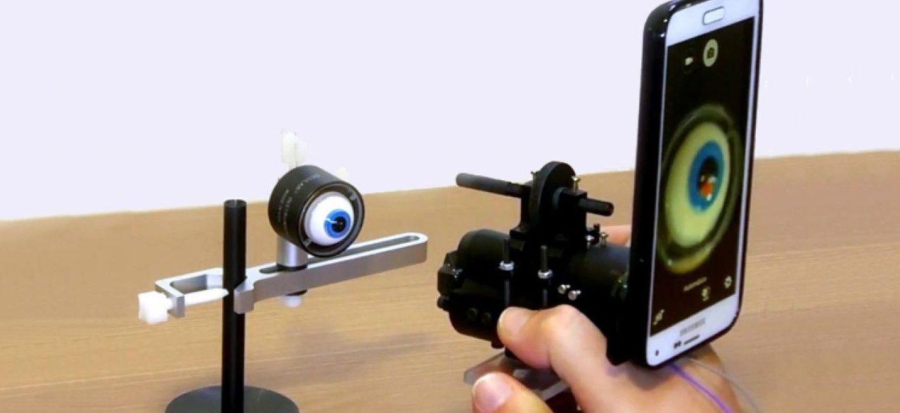 Brasileiros desenvolvem dispositivo para examinar retina com smartphone