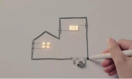 Circuitos eletrônicos desenhados por meio de uma caneta prata