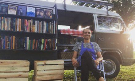 Cearense inova e usa Kombi para criar livraria móvel
