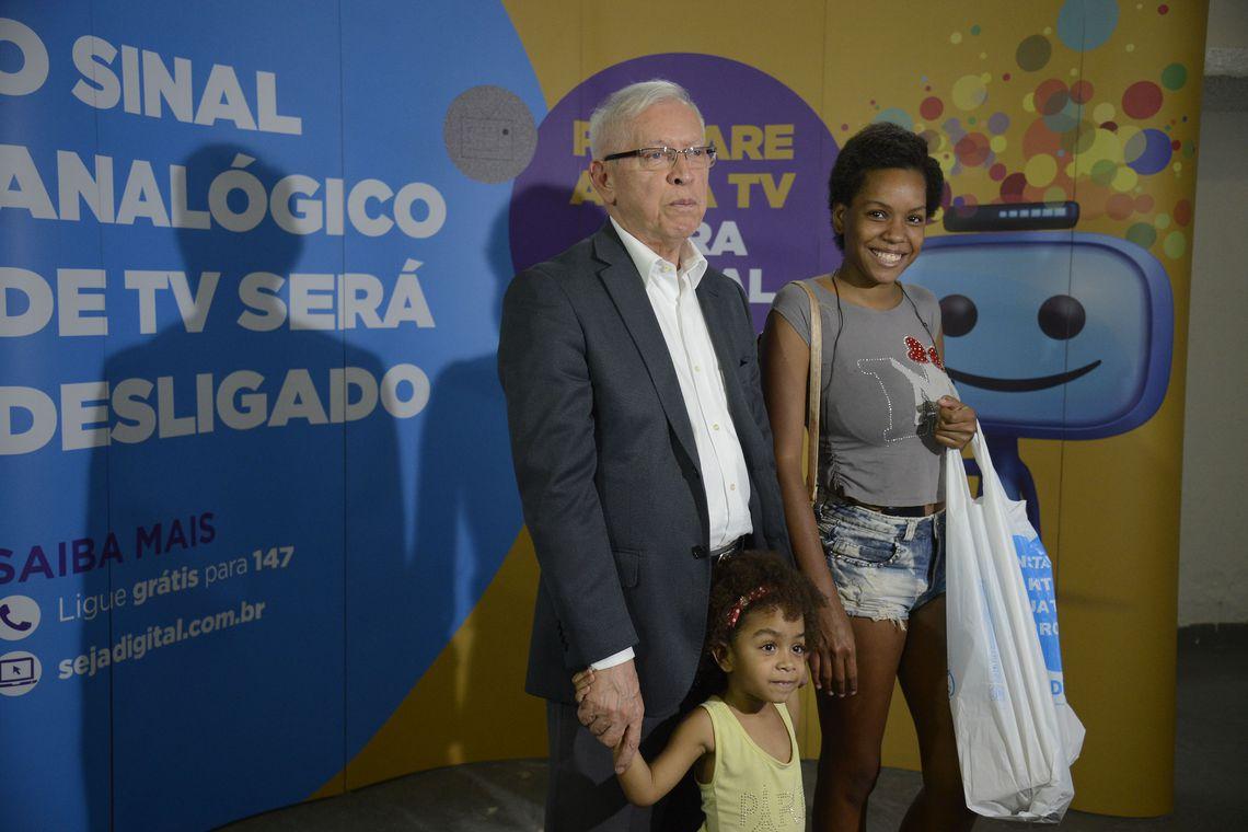 Belém e Manaus desligam sinal analógico e aderem à TV digital