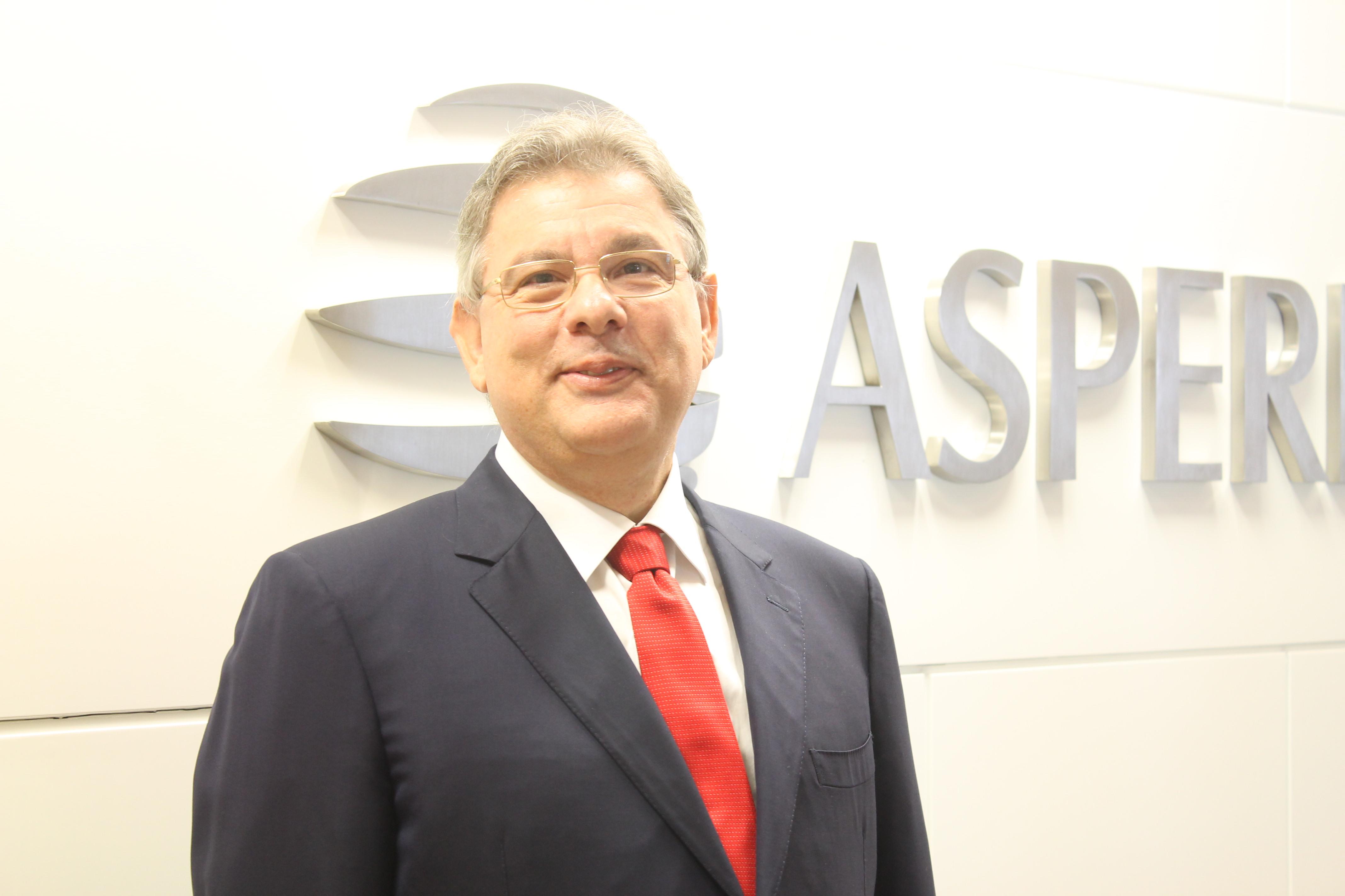 José Roberto Colnaghi, da Aspebras, apresenta produtos inovadores na Agrishow 2018