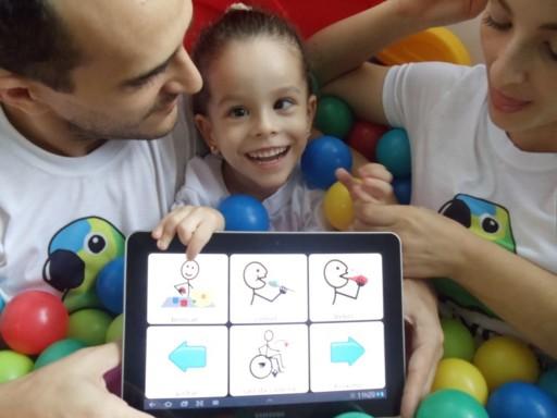 Aplicativo criado por brasileiro ajuda pessoas com deficiência a se comunicarem