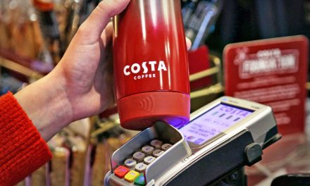 """Rede de cafés do Reino Unido lança """"copo inteligente"""""""