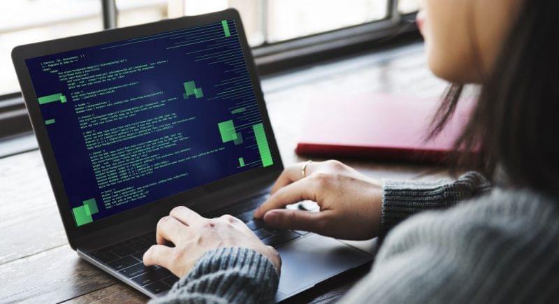 Protagonismo feminino na tecnologia em pauta na Fábrica do Futuro