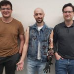 Startup cria prótese com movimentos a partir de impressão 3D